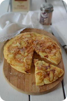 Crêpes aux Pommes Pie Co, Pear Cake, No Sugar Foods, Baked Apples, Easy Desserts, Cookie Recipes, Brunch, Food And Drink, Favorite Recipes