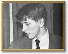 1975 – Bobby Fischer refuses to play in a chess match against Anatoly Karpov, giving Karpov the title of World Champion by default. Anatoly Karpov, Famous Faces, Chess, Drawing Reference, Bobby, Fisher, Literature, Champion, Globes