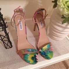Steve Madden Heels Pretty snakeskin look colored sandals with an Ankle strap. NWOB no more photos no trades no questions from non serious buyers or you will be blocked no lowball offers do not bundle items unless you intend on purchasing no price comments ✔️I ship the next day Steve Madden Shoes Heels