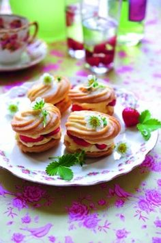 Strawberry and clotted cream whirls