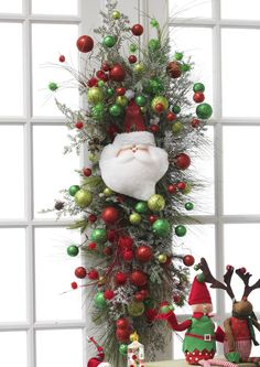 Decorated Swags & Wreaths: Count Down To Christmas