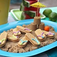 Moana Party: 43 Easy and Cheap Ideas for You to Make - moana party - Aloha Party, Moana Birthday Party, Moana Party, Luau Birthday, Tiki Party, Luau Party, Beach Party, Hawaii Party Food, Mermaid Birthday