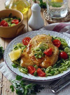Az otthon ízei: Mézes-mustáros csirkemell cukkini salátával Tacos, Mexican, Chicken, Ethnic Recipes, Food, Diet, Essen, Meals, Yemek