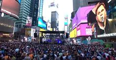 Matt Redman Turns Times Square into a Worship Service with '10,000 Reasons'