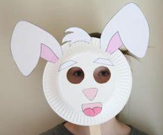 Maschera da coniglio con piatti carta