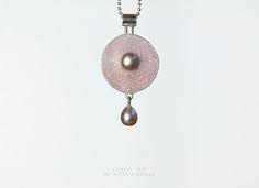 www.silkeprottung.de Pearl Earrings, Jewels, Color, Pearl Studs, Jewerly, Colour, Bead Earrings, Gemstones, Fine Jewelry