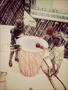 Spiderman n kamenrider black.... Its just empty glass... We need some water...