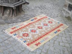 "50 % OFF! UNIQUE TURKISH KILIM, 172 x 170 cm ( 67 "" x 66.9 "" )"
