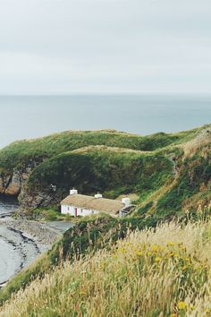 travel tuesday (my ideal home. Beautiful World, Beautiful Places, Places To See, The Places Youll Go, Cottages By The Sea, English Countryside, Adventure Is Out There, Plein Air, Outlander
