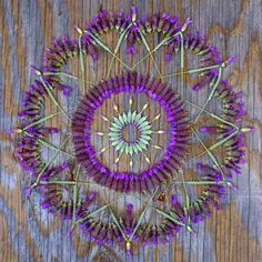 Ode to nature: 15 intricate floral mandalas Flower Circle, Flower Mandala, Flower Petals, Mandala Art, Flower Art, Theme Nature, Environmental Art, Nature Crafts, Art Plastique