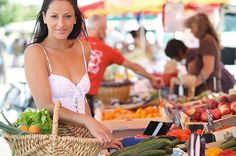 Many of the factors that affect the quality of our skin health are due to our diet and the function of our internal systems, rather than which products we rub on our skin daily. Learn how to find both inner and outer beauty through diet! Nutrition For Runners, Nutrition Guide, Nutrition Education, Healthy Foods To Eat, Healthy Eating, Healthy Recipes, Healthy Bodies, Health And Wellness, Per Diem
