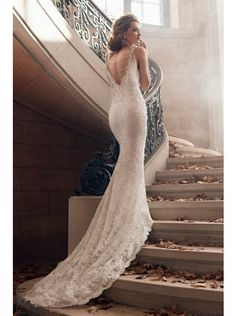 Dreamy V-neck Dropped Train Lace Ivory Sleeveless Wedding Dress with Appliques LWAT1502B #weddingdress #landybridal