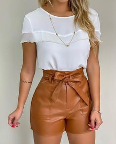 Minus the shorts Short Outfits, Stylish Outfits, Summer Outfits, Short Dresses, Look Fashion, Fashion Outfits, Womens Fashion, Look Con Short, Vetement Fashion