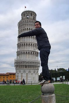 of all these cheesy tourist photos with this tower--this one is pretty cool...