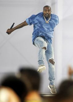 Performing during the closing ceremony of the Toronto 2015 Pan Am Games. Kanye West Songs, Kanye West Style, Yeezy Outfit, Kendall Jenner Style, Kylie Jenner, Kim K Style, Clothing Photography, Fashion Photography, Hipster Man