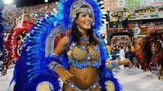 30 de poze pline de culoare de la Carnavalul din Rio 2012.  Vezi mai multe poze pe www.ghiduri-turistice.info  Source : www.flickr.com/photos/sergiohsg/6785776630 Rio Carnival, Places To See, Brazil, Paste, People, Meet, Beautiful, Style, Fashion
