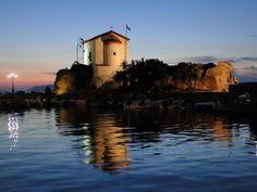 Σκάλα Συκαμιάς Λέσβου. Το εκκλησάκι της Παναγιάς Γοργόνας.  Skala Sykamias, Lesvos (aka Mytilini) The chapel of Panagia Gorgona