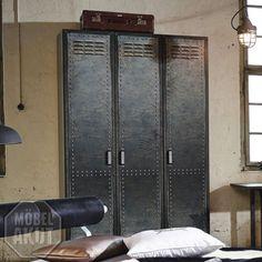 Spectacular vintage spind vintage schrank vintage industriespind industriedesign arztschrank industrie design