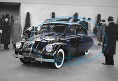 Tatra car at Prague Car show in 1937 / Pražský autosalon - mezinárodní autosalon v Praze - automobil Tatra T 600 Tatraplan. Mini Trucks, Olaf, Old Cars, Car Accessories, Concept Cars, World War Ii, Peugeot, Techno, Vintage Cars