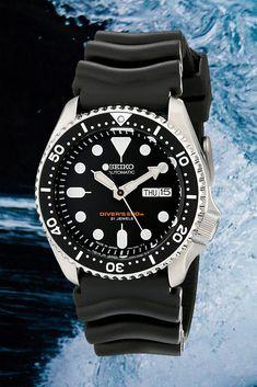 seiko skx007 dive watch #mensdivewatch Best Looking Watches, Best Watches For Men, Automatic Watches For Men, Cool Watches, Rolex Watches, Backpacking Gear List, Tactical Armor, Seiko Skx, Boy Fashion