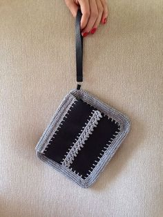 Hey, I found this really awesome Etsy listing at https://www.etsy.com/pt/listing/185294782/leather-clutch-with-crochet-edging