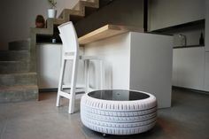 Ingeniousness meets practicality: Tires revamped into vibrant tables!