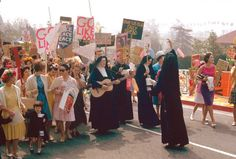 Mary's Day Parade 1964, annual celebration organized by the Immaculate Heart Sisters of Los Angeles in Griffith Park.