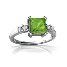 peridot RINGS. August! I LOVE THIS. PERIOD.