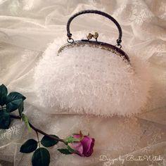 Winter-Wedding-Bag-by-BautaWitch