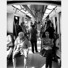 """""""Idas e vindas"""" #photography #pretoebranco #fotodecelular #ascontasnaoparam"""