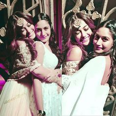 India Jewelry, Jewellery, Qubool Hai, Indian Show, Dil Bole Oberoi, Surbhi Chandna, Best Friend Goals, Bollywood Actors, Personality Types