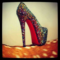 Red soles that sparkle #louboutin #shoes