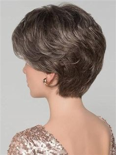 Alexis Deluxe by Ellen Wille will make you feel glamorous from the moment you put her on. The deluxe stands for superb quality in cap construction, with a hand tied cap for the most comfortable and light weight fit. Short Thin Hair, Short Grey Hair, Short Hair With Layers, Short Hair Over 60, Hair Styles For Women Over 50, Short Hair Cuts For Women, Short Hair Styles, Oval Face Haircuts, Hair Cutting Techniques