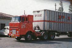 This must be a rare Ford truck! Antique Trucks, Vintage Trucks, Retro Vintage, Big Rig Trucks, Cool Trucks, Semi Trucks, Sterling Trucks, Truck Transport, Freightliner Trucks