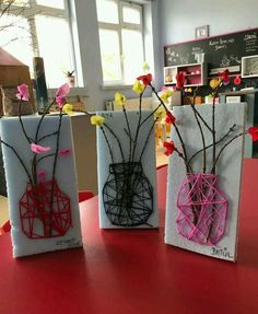 26 Cute DIY Kid Friendly Valentine& Day Art and Crafts .- 26 niedliche DIY kinderfreundliche Valentinstag Kunst und Kunsthandwerk 26 Cute DIY Kid-Friendly Valentines Day Arts and Crafts Make a mason jar string art using wood, yarn and faux flowers. Kids Crafts, Spring Crafts For Kids, Projects For Kids, Diy For Kids, Crafts To Make, Creative Crafts, Wood Crafts, Preschool Art Projects, Summer Camp Crafts