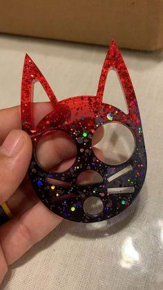 Diy Resin Projects, Diy Resin Art, Diy Resin Crafts, Handmade Crafts, Cat Self Defense Keychain, Cat Keychain, Honey Store, Animal Sleeve Tattoo, Cute Halloween Makeup