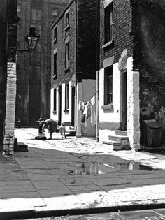 Streets of Liverpool. Last-Court.