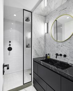 "26.7 mil Me gusta, 97 comentarios - Interior & More (@myinterior) en Instagram: ""Black and White marble bathroom designed by @humbertetpoyet architecture  Compliments @emilhumbert…"""