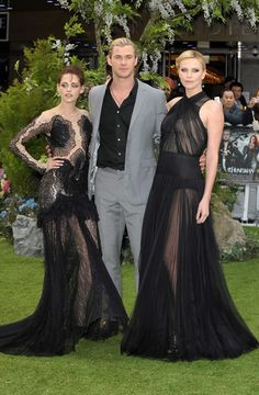 Christian Dior and Marchesa, chic up dos and smokey eye make up. Oh and a handsome Chris Hemsworth.
