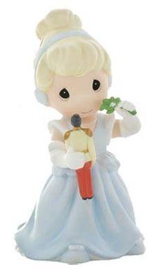 Disney Precious Moments Figurine - Theres Magic Under The Mistletoe