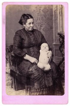 Pin by Emily Wolfe on Creepy Photographie Post Mortem, Vintage Photographs, Vintage Photos, Creepy Old Photos, Human Oddities, Post Mortem Photography, Art Photography, Weird Vintage, Foto Real