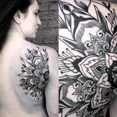Mandala Back of shoulder by Canyon Webb - The first of 2 mandalas on the back of the shoulder blades. Mandala Tattoos For Women, Half Mandala Tattoo, Tattoos For Women Small, Paisley Shoulder Tattoos, Tattoo Shoulder, Music Tattoos, Girl Tattoos, Tatoos, Trendy Tattoos