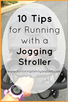 These 10 tips will make running with a jogging stroller a safe and positive experience for mom and baby. Get the perfect stroller for your child Speed Workout, Cardio Workout At Home, Running On Treadmill, Running Workouts, Running Tips, At Home Workouts, How To Jog, How To Start Running, Stroller Workout