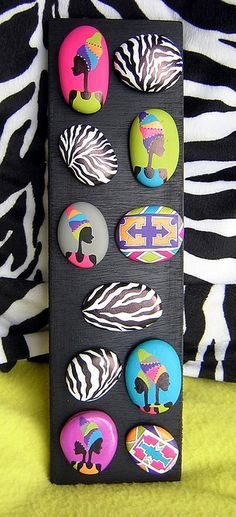 http://corinnelbr.canalblog.com/albums/tableaux_galets