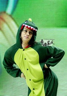 Only Heechul could look fabulous as a dinosaur