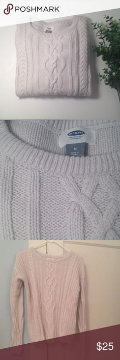 Old Navy Knit Sweater in a Pale Grey Old Navy Knit Sweater in a Pale Grey. Size M. Composition is 60% cotton and 40% acrylic. Super cozy! Old Navy Sweaters