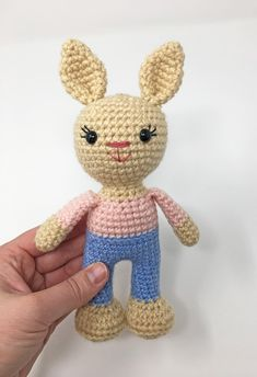 Free Crochet Bunny Pattern - Grace and Yarn Crochet Bunny Pattern, Crochet Rabbit, Crochet Patterns Amigurumi, Crochet Dolls, Crochet Yarn, Free Crochet, Easter Crochet, Cat Pin, Stuffed Toys Patterns
