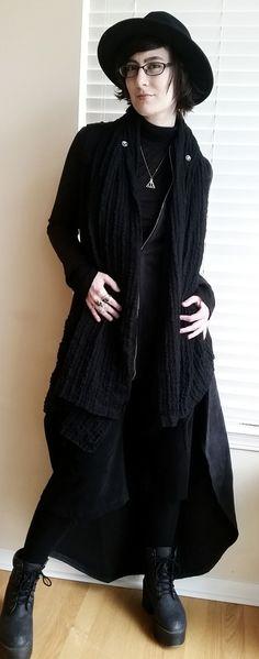 Cute genderqueer goth ☺️