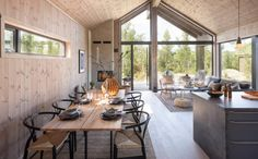 Ideas Cabaña, Decor Ideas, Italy House, Open Plan Kitchen Living Room, Modern Tiny House, Cabin Interiors, House In The Woods, Home Remodeling, Interior Architecture