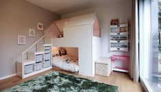 Es ist faszinierend was man mit Ikea Produkt anstellen kann. Verkleidet mi MDF P… It's fascinating what you can do with Ikea product. Clad with MDF panels white coated on both sides. Pin: 1200 x 685 Cama Ikea Kura, Kura Bed Hack, Ikea Kura Hack, Ikea Loft Bed Hack, Trofast Hack, White Paneling, Big Girl Rooms, House Beds, White Houses